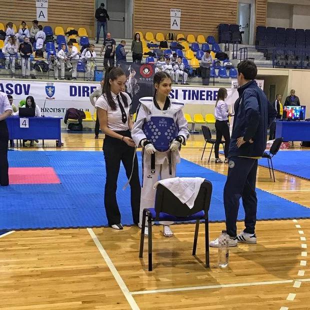 """Campioana la taekwondo Elena Chiriac vrea să joace în filme cu bătăi, """"să aplic ce am învățat"""". Acum studiază actoria"""
