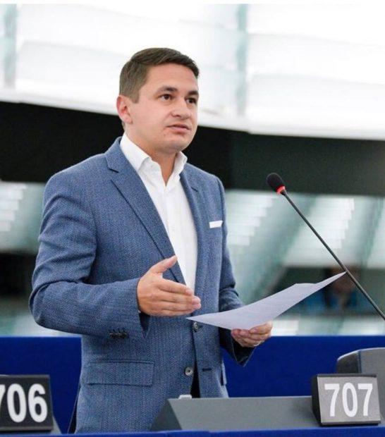 Culisele jocurilor pro și contra de la Bruxelles, pentru numirea Laurei Codruţa Kovesi ca procuror-şef european: Europarlamentarii români au încercat să influenţeze votul colegilor lor