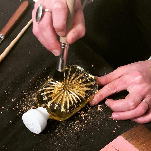 """Parfumuri cu fulgi de aur de 24 K. Libertatea a aflat secretele parfumeriei de nișă chiar de la fondatorul Jean Phillipe Clermont: """"Creez o bucată de eternitate!"""""""