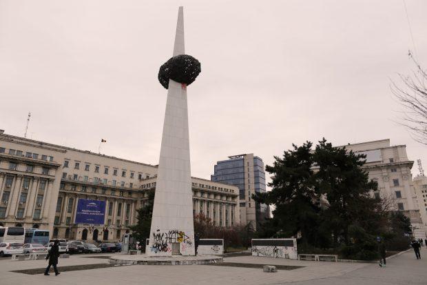 O palmă dată istoriei. La 30 de ani de la Revoluţie, monumentul din centrul Bucureştiului dedicat eliberării de comunism e în paragină