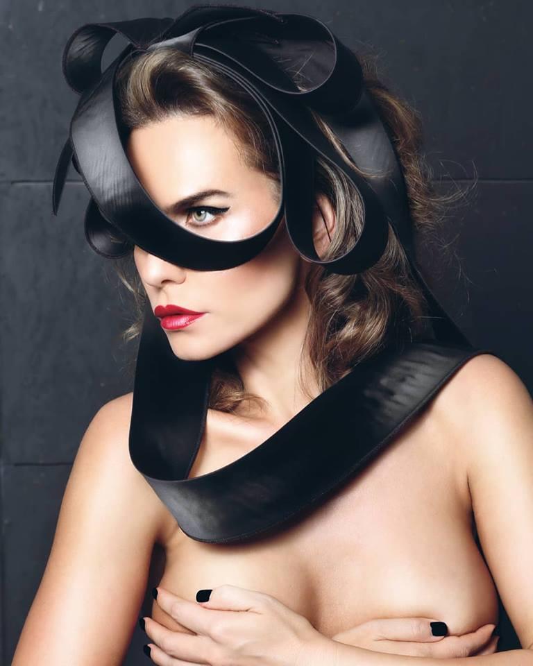 Anna Lesko, topless. Artista e total lipsită de inhibiții
