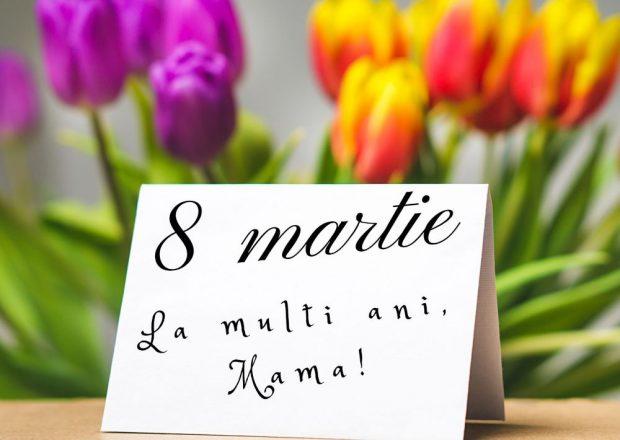 Mesaje de 8 martie- Lalele colorate alaturi de o card cu urare de de 8 martie