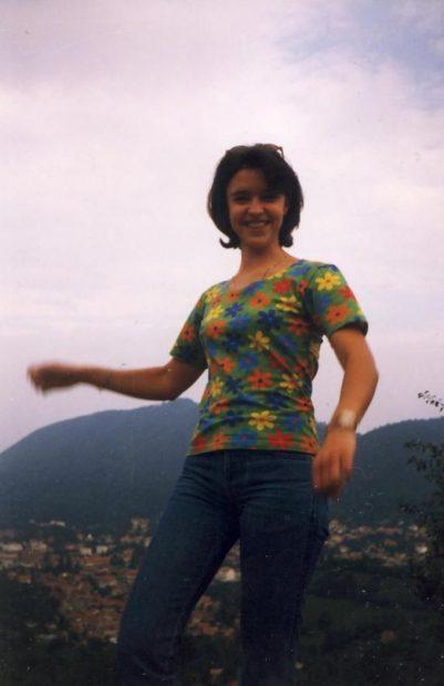 Amintiri de Dragobete cu vedete. Marinei Almășan i-a căzut cu tronc matematicianul liceului, Raluca Arvat a primit o stea!