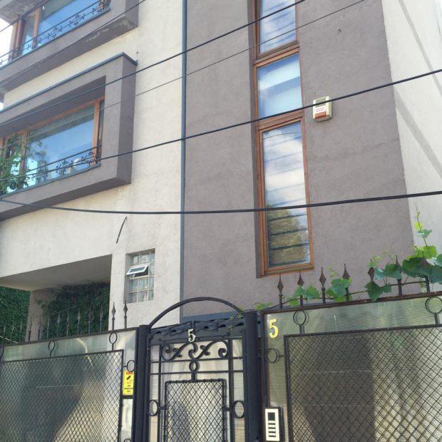 Doina Maximilian începe să vândă din averea Stelei Popescu! Negociază să dea blocul, posibil și una dintre casele din București