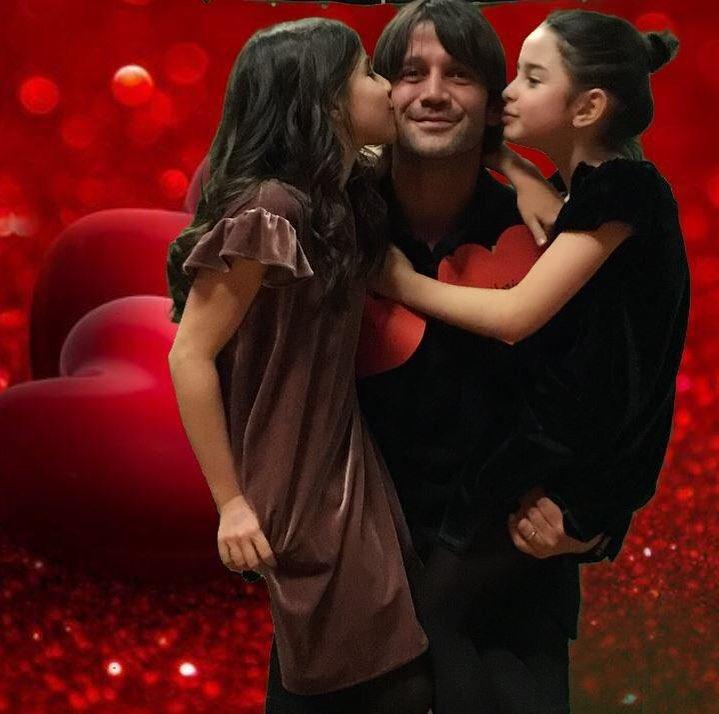Cristi Chivu, alături de fiicele sale, Anastasia și Natalia