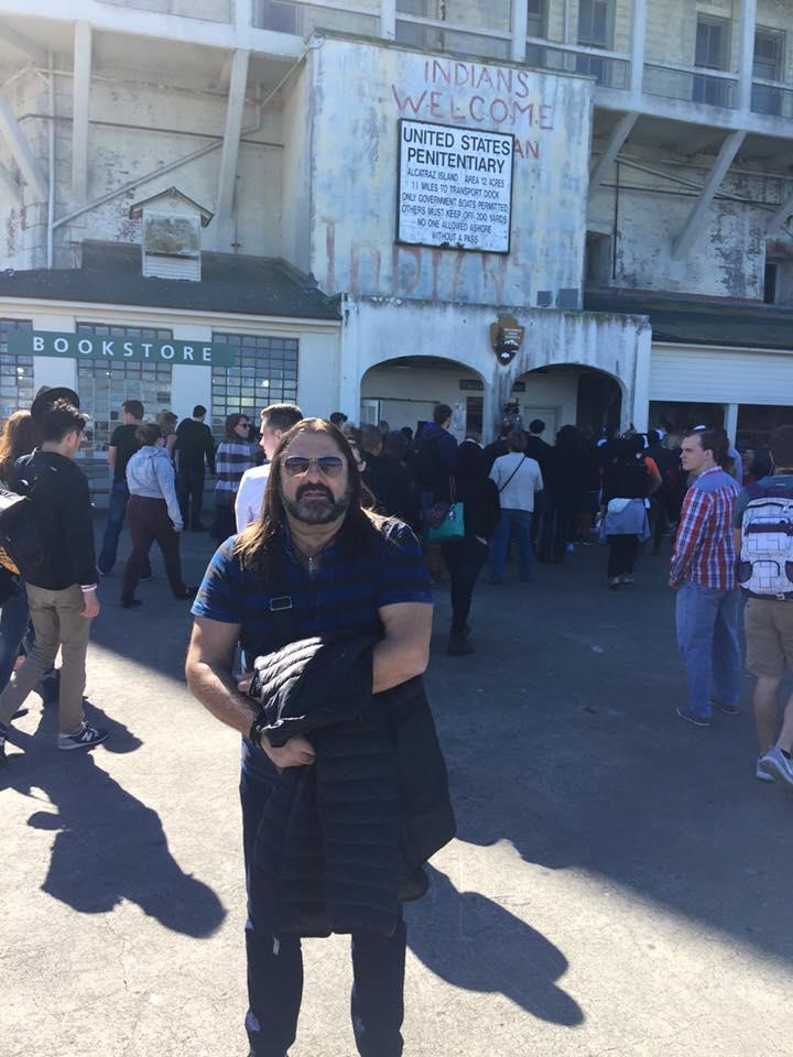 Gheorghe Gheorghiu a ajuns la pușcărie! Cântărețul a vizitat Alcatraz, închisoarea în care gangsterul Al Capone a stat 11 ani