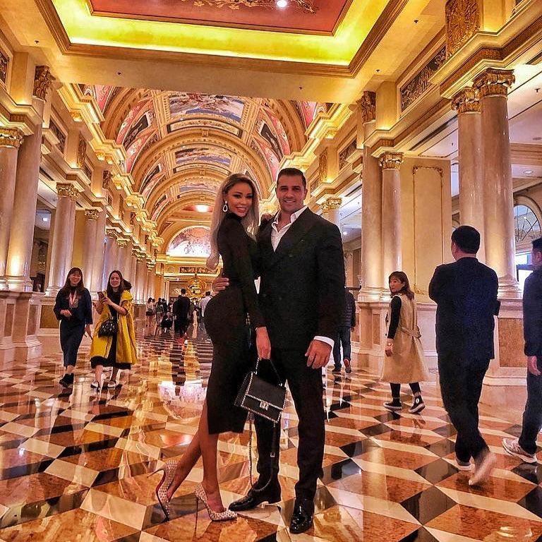 Prima fotografie cu Bianca Drăgușanu și Alex Bodi din vacanța în Hong Kong. Blonda și iubitul ei radiază împreună