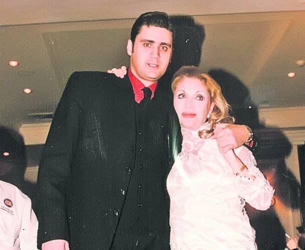 Zina Dumitrescu, alături de fiul ei, Cătălin Negreanu