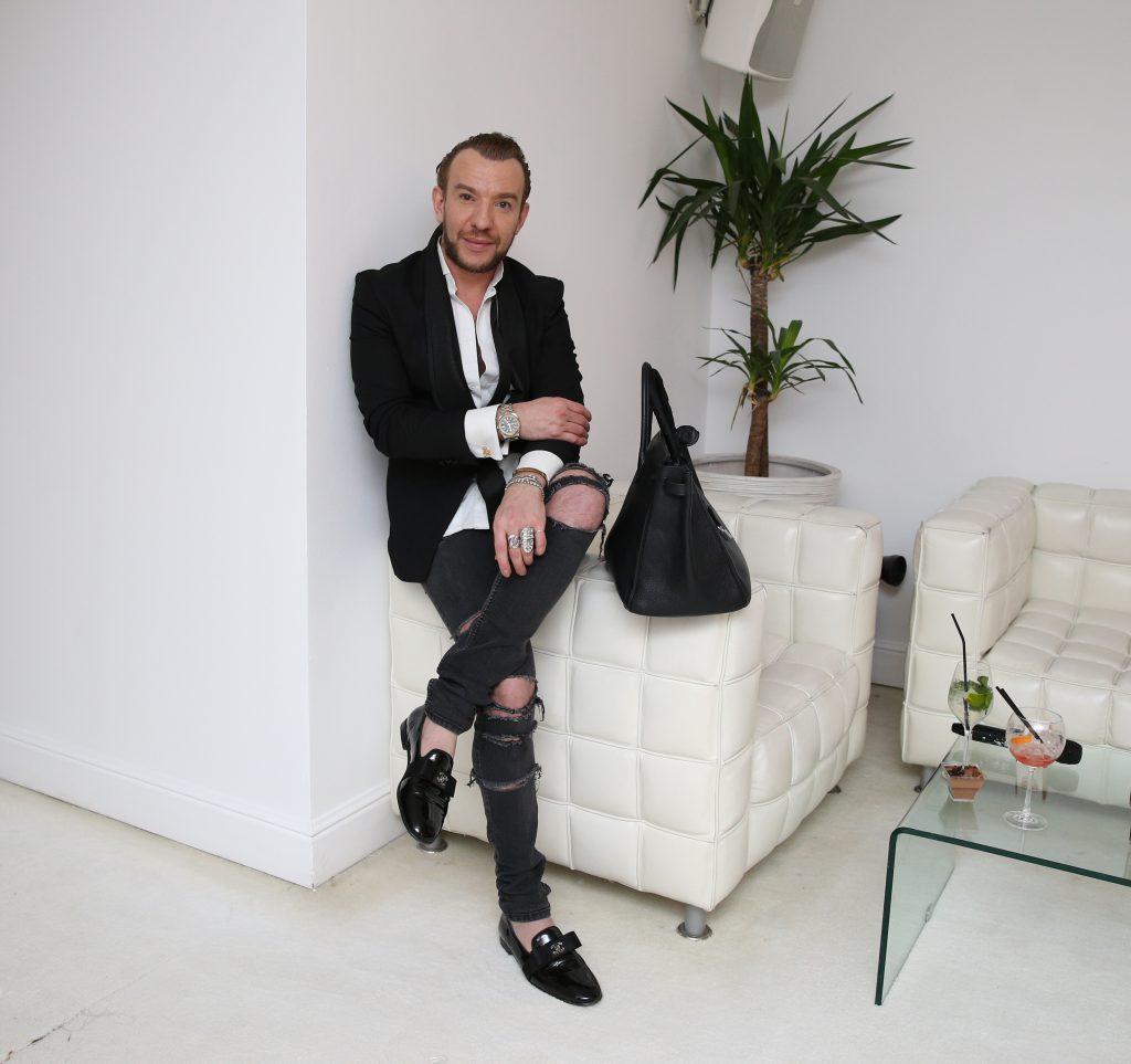 Designerul Stephan Pelger are două procese în Franța