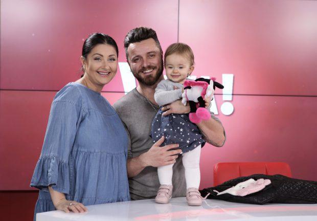 """Gabi Cristea și Tavi Clonda au probleme cu fetița cea mare, de când li s-a născut mezina. """"Victoria e deja puțin geloasă"""""""