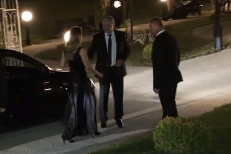 FOTO/ Liviu Dragnea, însoțit de iubita lui la nunta Liei Olguței Vasilescu și a lui Claudiu Manda. Ce ținută a purtat Irina Tănase