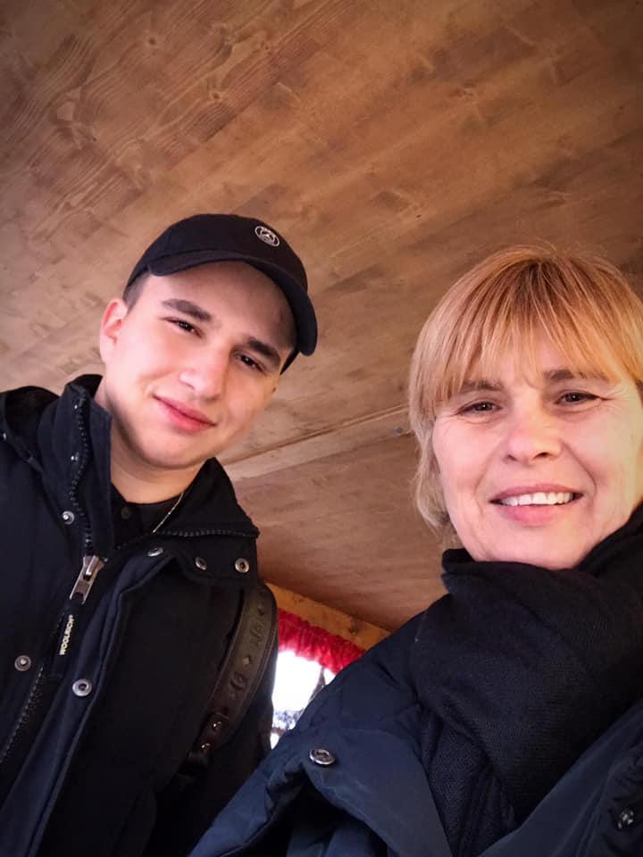 Mariana Pfeiffer, alături de fiul ei, Luca