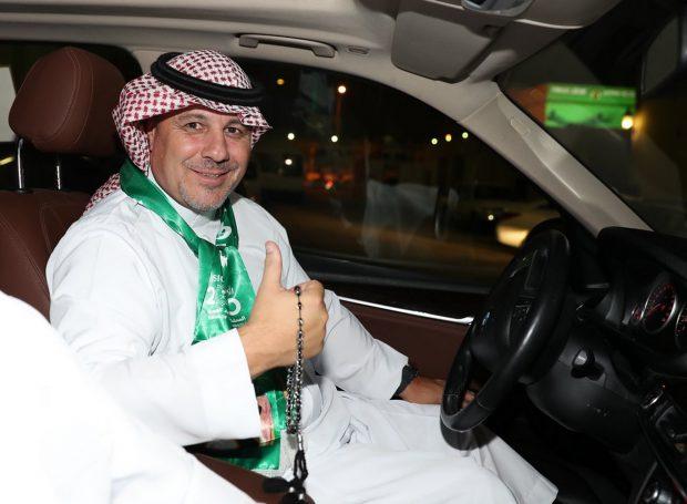 Viața românilor în Arabia Saudită! Trei antrenori și trei fotbaliști de la noi sunt obligați să respecte reguli stricte impuse de cultura islamică