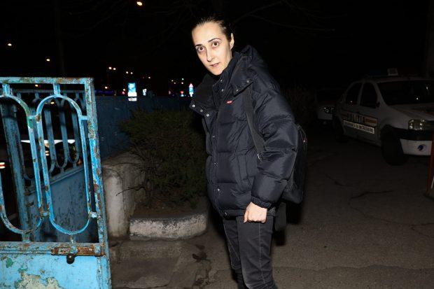 Falsul medic Raluca Bârsan, la ieşirea de la audieri