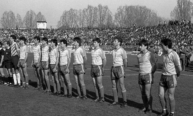 Dezvăluiri spumoase! La ordinul tatălui, Nicu Ceaușescu s-a ascuns într-o cușcă în timpul meciului România-Italia din '89, ca să nu fie fotografiat de jurnaliștii italieni!
