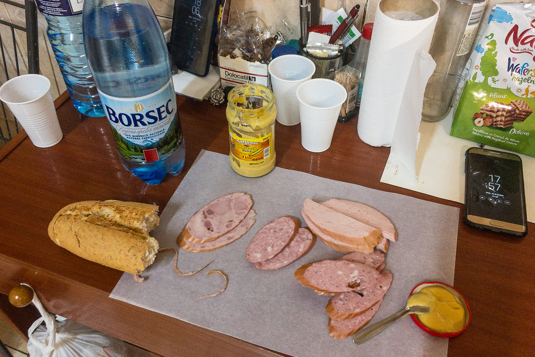 Cum sărbătoresc Paștele românii din Spania care vorbesc cu copiii în limba română, iar aceștia le răspund în castellano