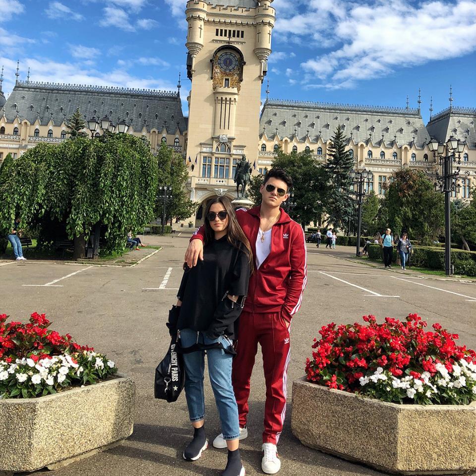 Fiica Andreei Esca are grijă de băieții Antoniei și ai lui Velea când e în țară