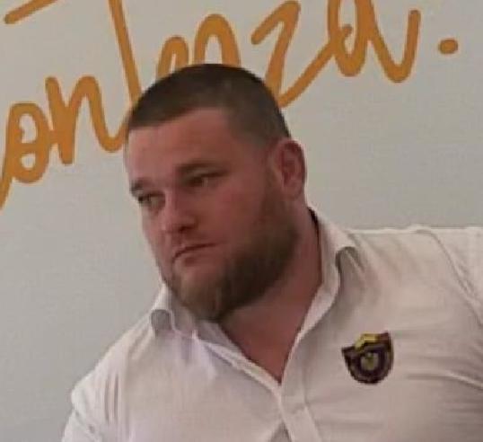 Bodyguardul care îl apără pe Liviu Dragnea, surprins în apropierea firmei la care lucrează, Romanian Security Systems, din Pipera
