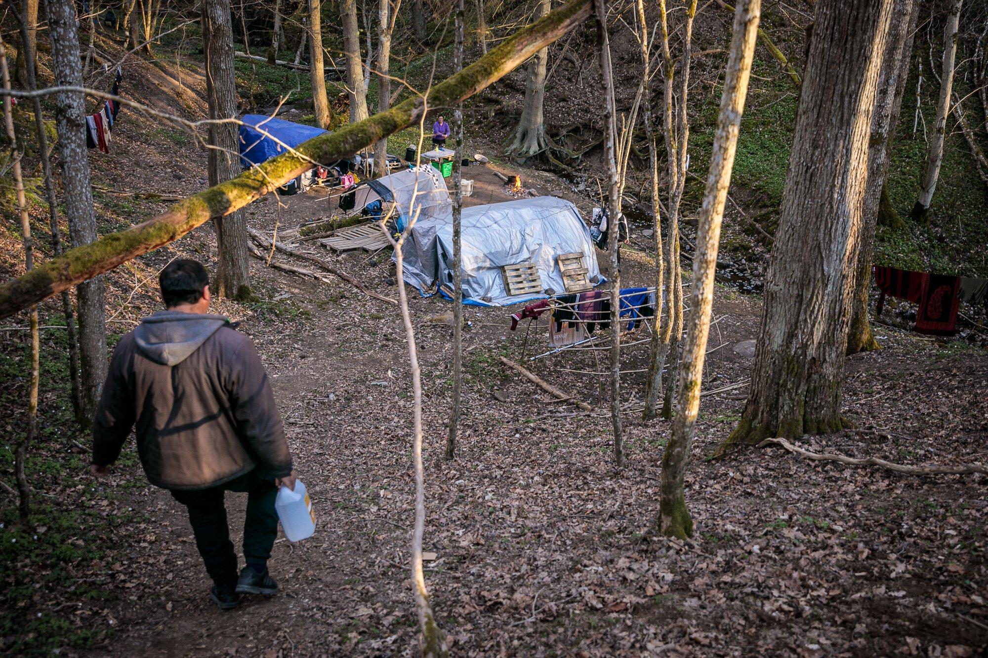 REPORTAJE SPECIALE LIBERTATEA: Paștele românilor, din Spania până în Scandinavia și de la Jurilovca la Memorialul Închisoarea Pitești
