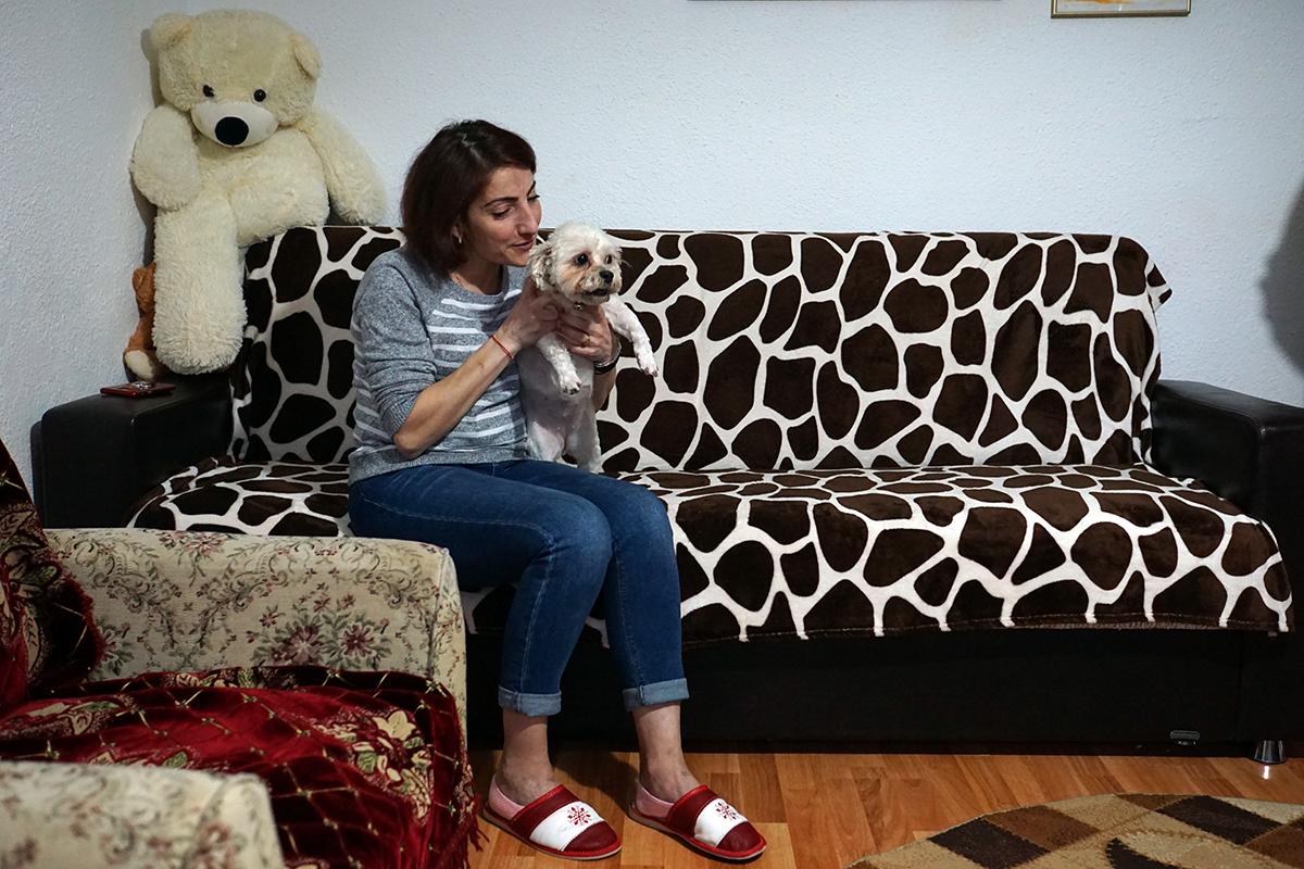"""Își mângâie ficatul și-i spune """"Paulică"""", după numele salvatorului ei! Povestea Vasilicăi Sârbu, femeia care a primit un organ vital de la un băiat de 7 ani călcat de mașină"""