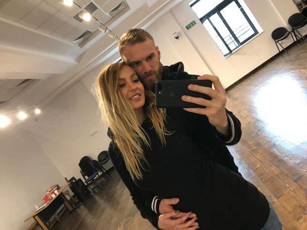 """Gravidă în 7 luni, Flavia Mihășan nu poate sta degeaba  """"Fac"""