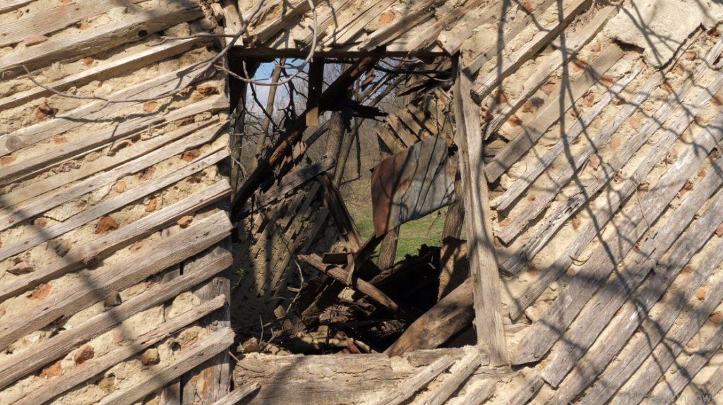 """Casa în care a locuit soacra lui Doru Pătru """"a fost mutată de undeva, adusă. Lemnăria e luată de la o casă veche""""."""