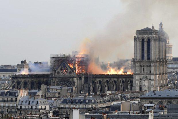 Milionarul François-Henri Pinault a anunțat suma de 100 de milioane de euro pentru reconstruirea Catedralei Notre-Dame