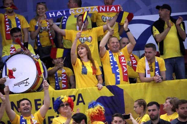 Simona Halep a bătut-o zdravăn pe Kristina Mladenovic. România conduce cu 1-0 Franța, în semifinalele Fed Cup
