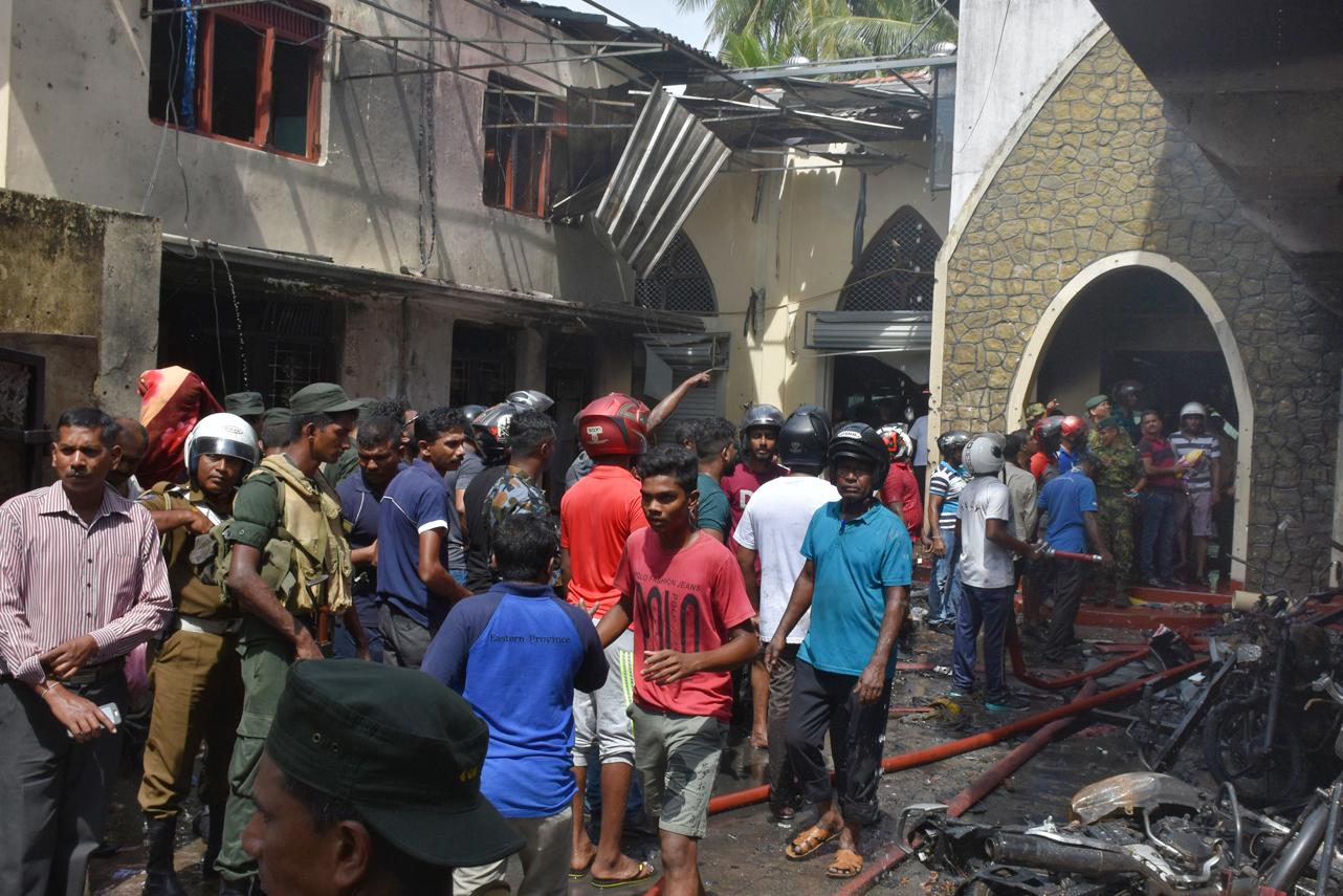 UPDATE | Stare de asediu în Sri Lanka: peste 290 de morți și peste 500 de răniți în opt explozii! Atacurile au fost revendicate de Statul Islamic