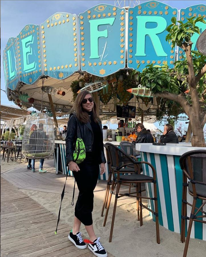 """Simona Halep petrece în cluburile de pe litoral în vacanța de Paște. Ținută de mii de euro purtată de sportivă pentru o ieșire cu """"fetele"""""""