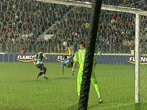 """Golul lui Moldoveanu candidează pentru Trofeul Puskas: """"Ar fi frumos ca toată România să promoveze acest gol"""""""