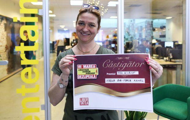 Nadia Kahel a câștigat un fier de călcat la concursul ziarului Libertatea, Marea Dezlipeală