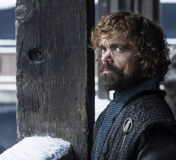 """Lucruri pe care nu le știai despre actorii din """"Urzeala tronurilor"""". Emilia Clarke cântă operă, Kit Harington se trage din regi!"""