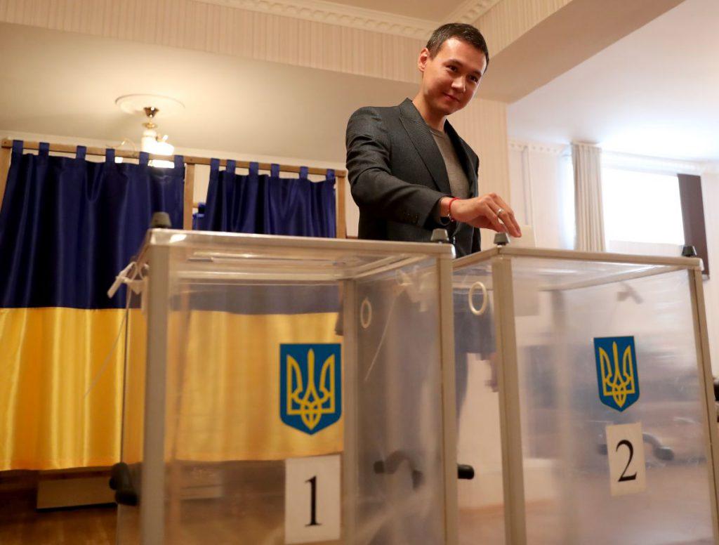 UPDATE   Exit-poll-uri: Vladimir Zelenski a câștigat alegerile prezidențiale din Ucraina. Mesajul transmis de actor după victorie