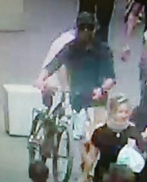FOTO și VIDEO | Cel puțin 13 răniți la Lyon, după o explozie provocată de un dispozitiv artizanal. Prima imagine cu suspectul care a plantat bomba