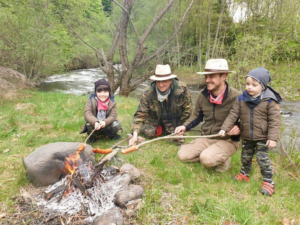 Șerban Copoț duce gratis 90 de copii într-o tabără de explorare a naturii