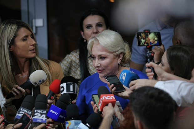 Viorica Dăncilă anunţă că nu demisionează din funcţia de premier