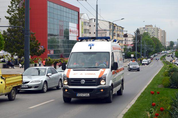 """Revoltă la Ambulanța Vaslui! Sindicatul din care fac parte peste 200 de medici, asistente și șoferi a semnat o scrisoare împotriva doctorului Awad Mohamad și refuză să mai lucreze cu el. """"Nu resuscitează pacienții în stop cardio-respirator!"""""""