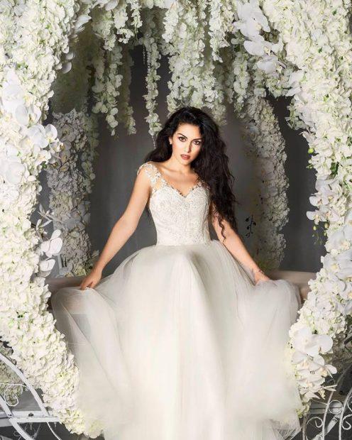 """O mireasă pretențioasă: Doinița Oancea vrea 4 rochii la nuntă! """"Măcar pe una o să o fac eu cap-coadă!"""""""