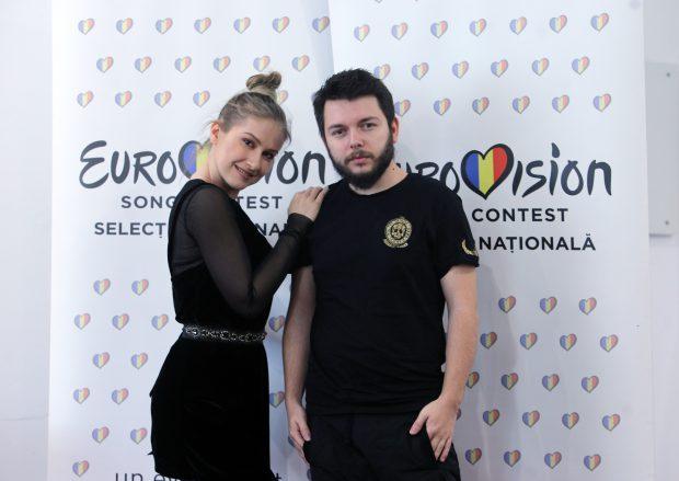 Ester Peony pleacă la Eurovision cu tatăl ei și cu o mătușă