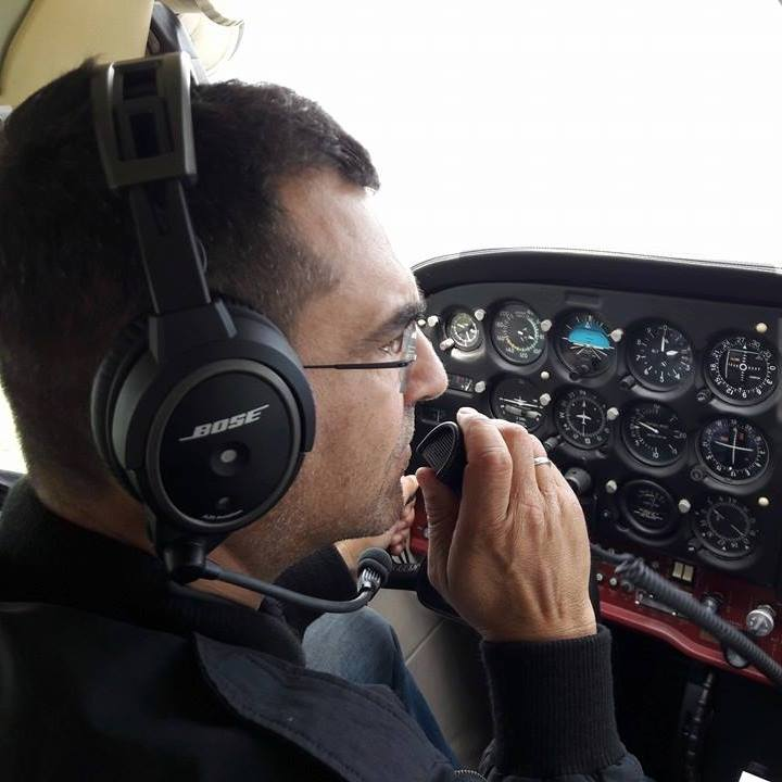 Aviația dă senzația. Vedetele autohtone au brevete de piloți