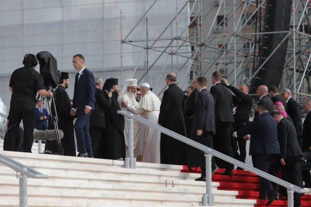 UPDATE | Papa Francisc și-a încheiat prima zi din vizita în România. Peste 150.000 de oameni au venit să-l vadă pe Suveranul Pontif | FOTO/VIDEO