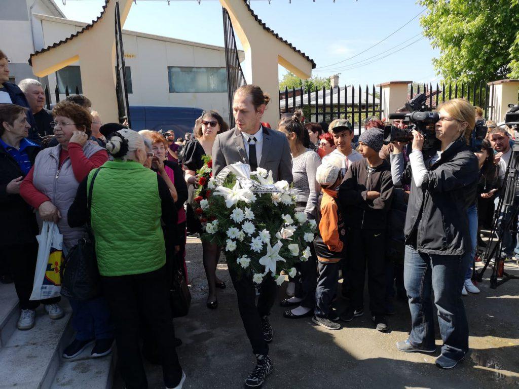 Apariție de zile mari la înmormântarea lui Răzvan Ciobanu. Mircea Solcanu l-a condus pe ultimul drum pe creator