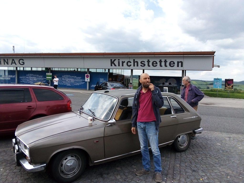 În timpul unei pauze pe o autostradă din Austria.
