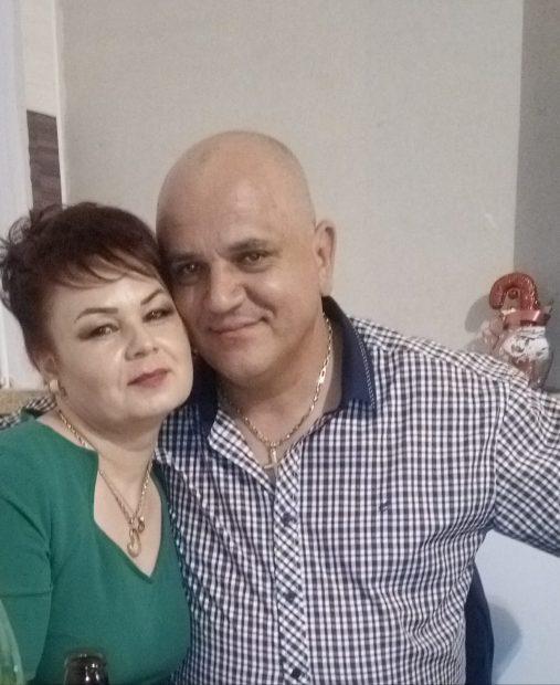 Mihai Sfetcu şi soţia lui, Cristiana, înainte de incendiul care le-a dat viaţa peste cap