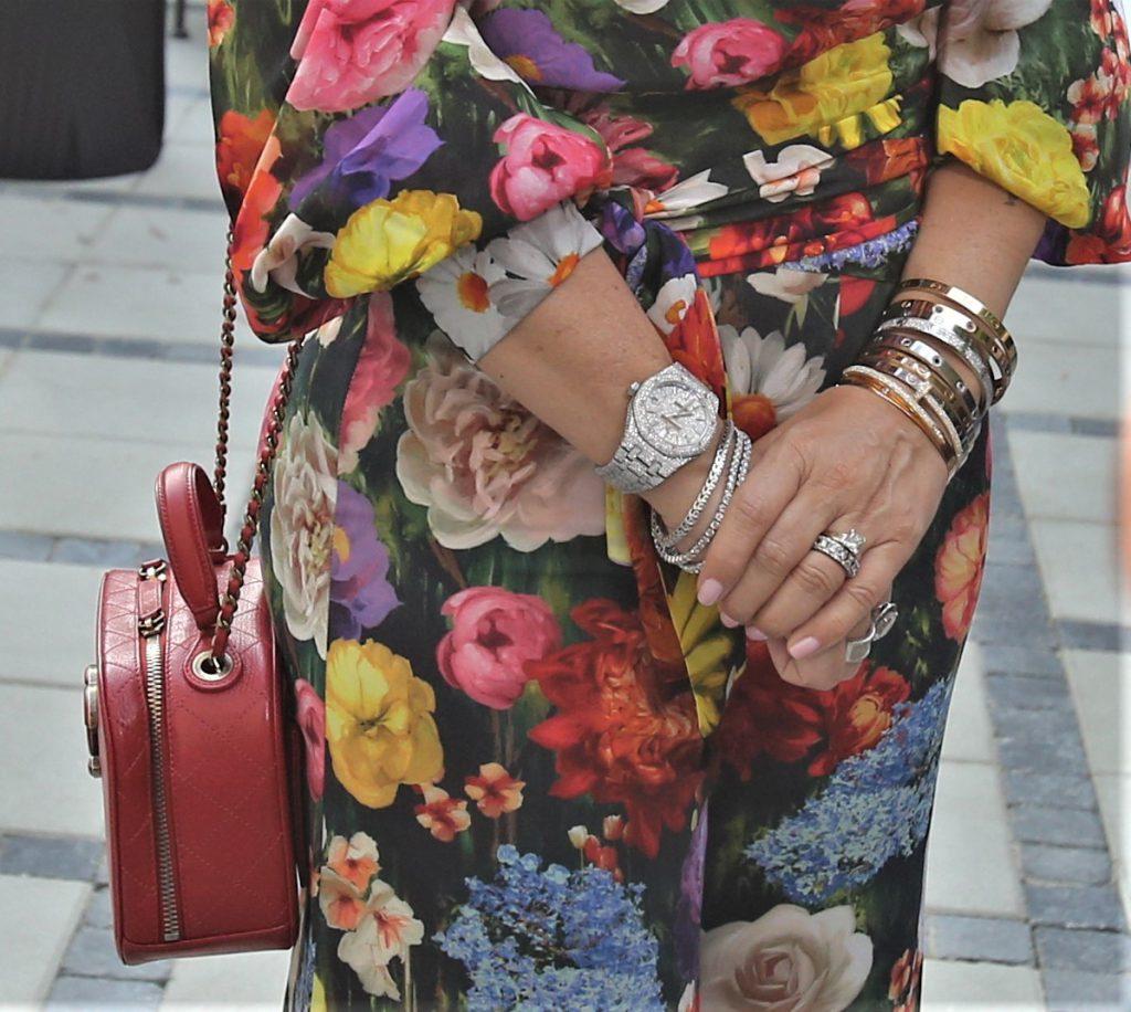 Anamaria Prodan nu iese din casă fără bijuterii supervaloroase