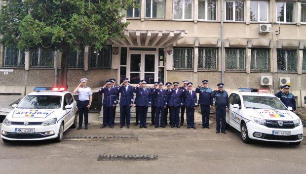Moment de reculegere, în fața sediului Inspectoratului Județean de Poliție Botoșani