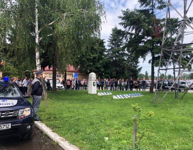 Moment de reculegere, în fața sediului Inspectoratului Teritorial al Poliției de Frontieră Timișoara
