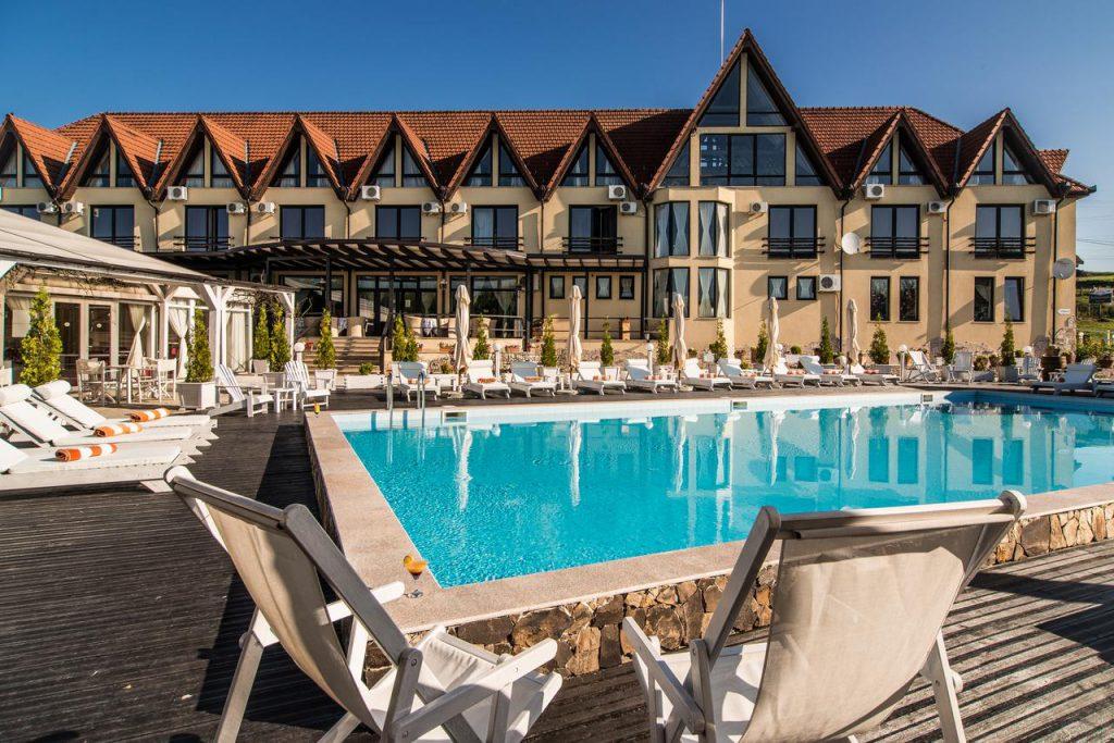 Conacul Archia - hoteluri cu piscine