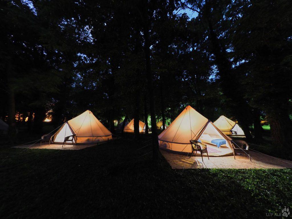 Huzur Glamping Buftea, zonad e camping
